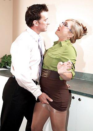 Free Secretary Porn Pics