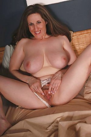 Free Young Housewife Pics