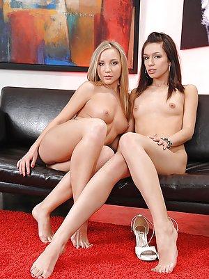 Free Young Sexy Legs Pics