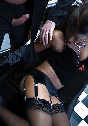 Free CFNM Porn Pics