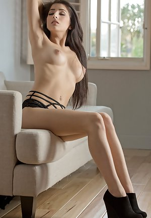 Free Young Latin Pussy Pics