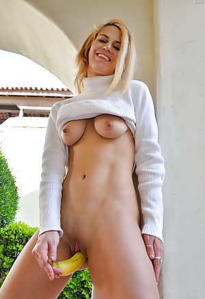 Free Young Shaved Pussy Pics
