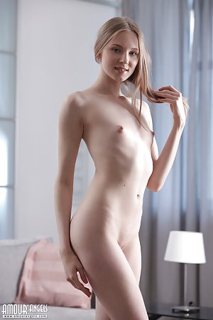 Free Young Skinny Pussy Pics